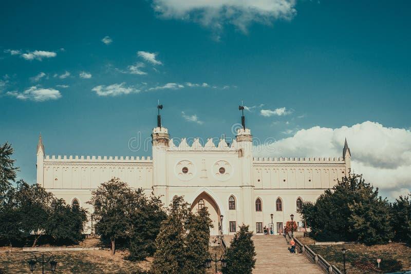 Entrée principale au château néogothique royal de Lublin Voyage vers la Pologne Fond d'architecture Concept de tourisme Attractio photos libres de droits