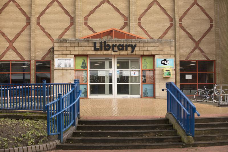Entr?e de biblioth?que centrale de Scunthorpe - Scunthorpe, le Lincolnshire, Royaume-Uni - 23 janvier 2018 photographie stock