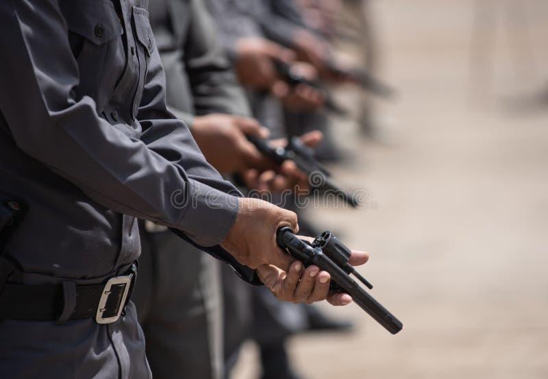 Entraînement au tir tactique de police photo stock