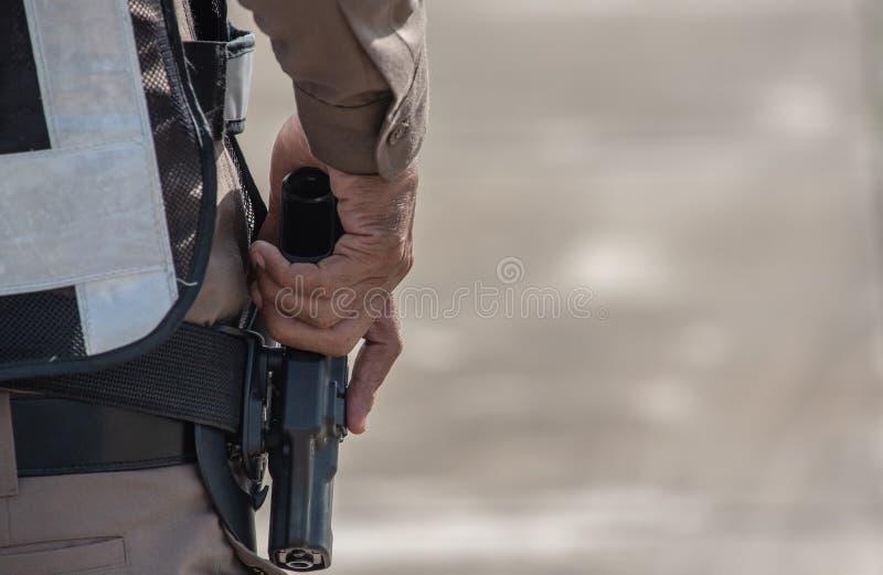 Entraînement au tir tactique de police images libres de droits
