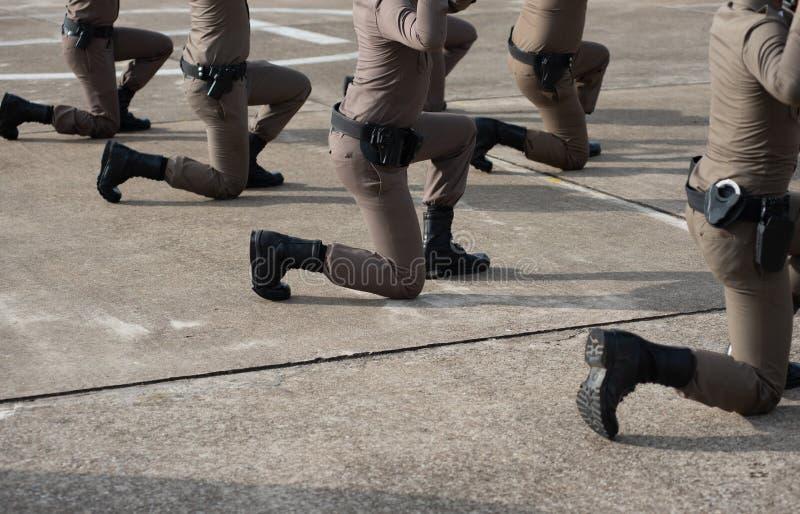 Entraînement au tir tactique de police image libre de droits