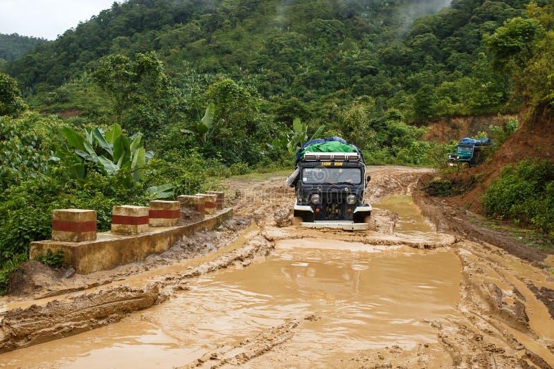 Download Entraînement Extrême Par Chin State, Myanmar Image stock éditorial - Image du normal, transport: 56476204