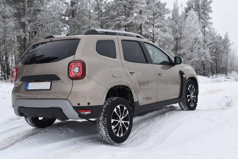 Entraînement tous terrains avec Dacia Duster 2018 photos stock