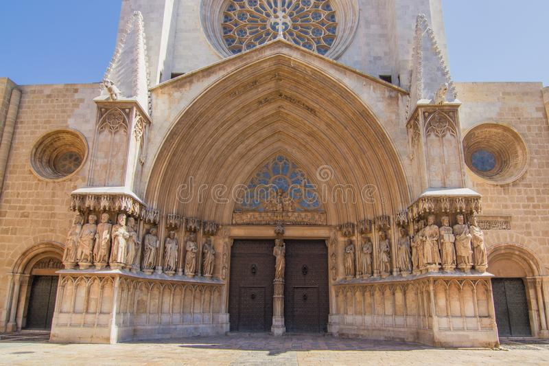 Entrada à catedral em Tarragona, Espanha fotografia de stock royalty free