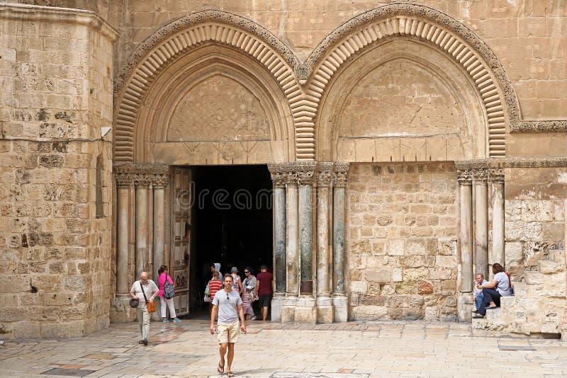Entrada à igreja do sepulcro santamente no Jerusalém, Israel imagem de stock