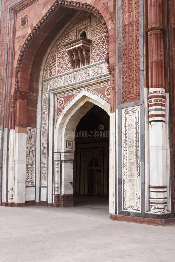 Entrada à mesquita antiga fotografia de stock