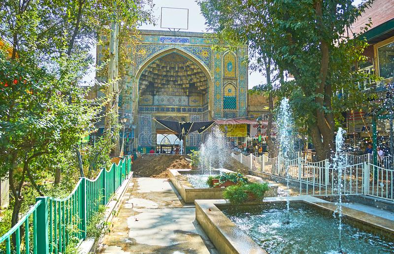 A entrada à mesquita do ` s do xá em Tehran imagens de stock royalty free