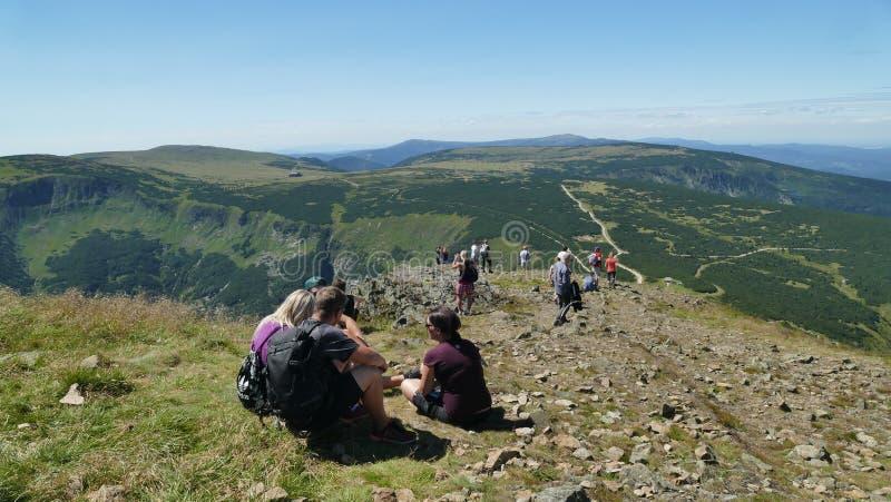 A entrada à parte superior da montanha do ` de Sniezka do ` fotos de stock royalty free