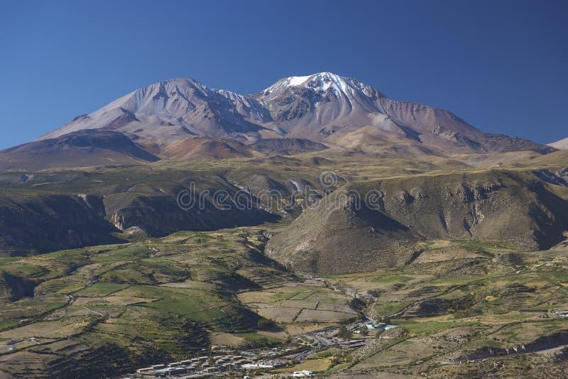 Entrada al Altiplano de Chile septentrional imagenes de archivo