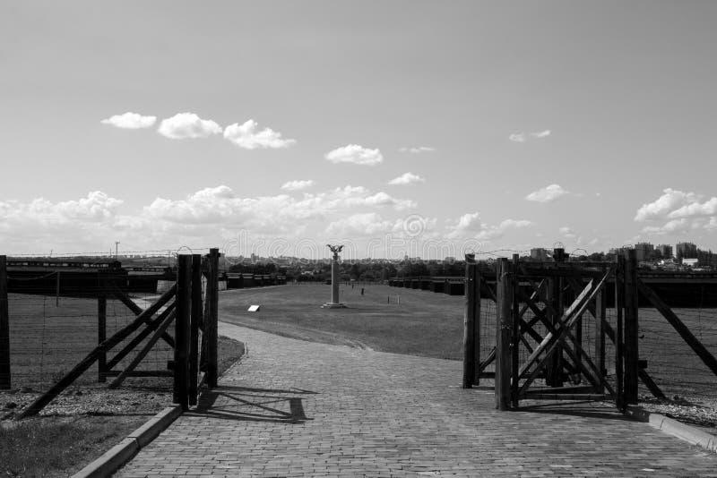 Entrada al campo de concentración de Majdanek foto de archivo