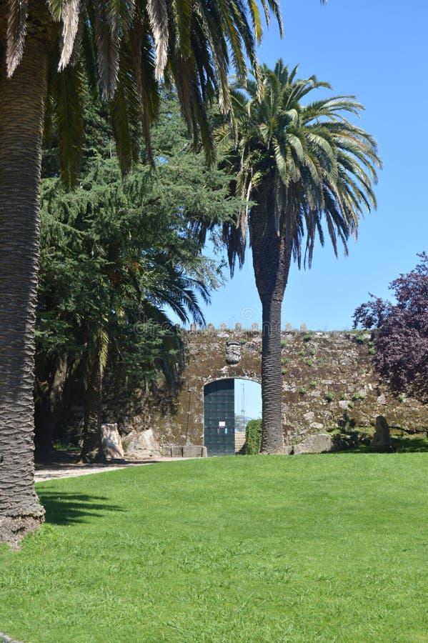 Entrada al castillo de San Sebastian Located In The Mountain de Castro In Vigo Naturaleza, arquitectura, historia, viaje agosto fotografía de archivo libre de regalías