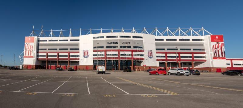 Entrada al estadio de fútbol de Stoke City foto de archivo
