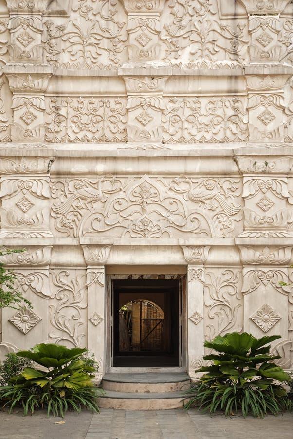 Entrada al palacio en Indonesia a solas imagen de archivo