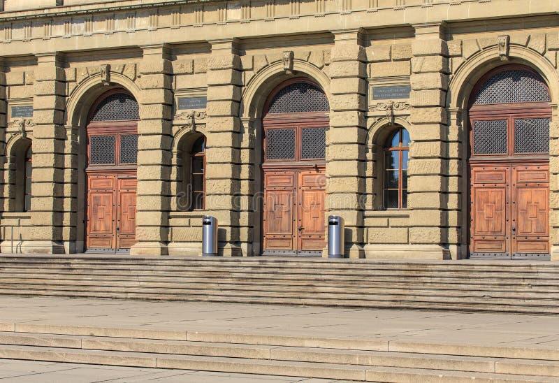 Entrada ao Instituto de Tecnologia federal suíço em Zurique fotografia de stock royalty free