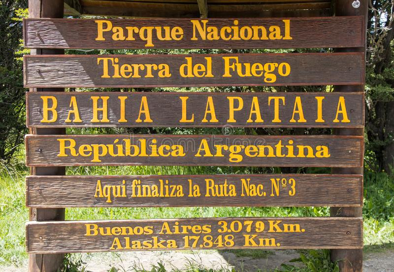 Entrada ao parque nacional de Tierra del Fuego Near a cidade de Ushuaia foto de stock royalty free