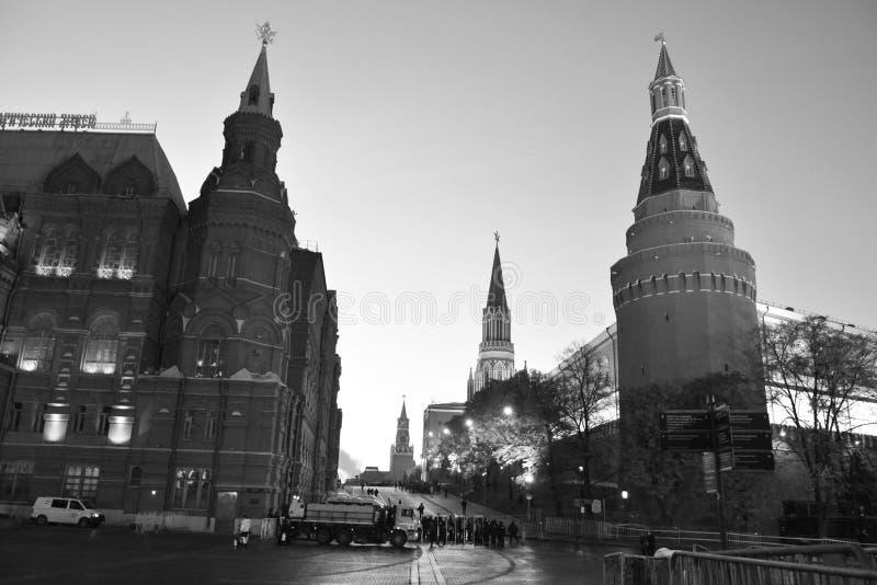 Entrada ao quadrado vermelho Manhã antes da parada o 7 de novembro Moscovo, Rússia foto de stock royalty free