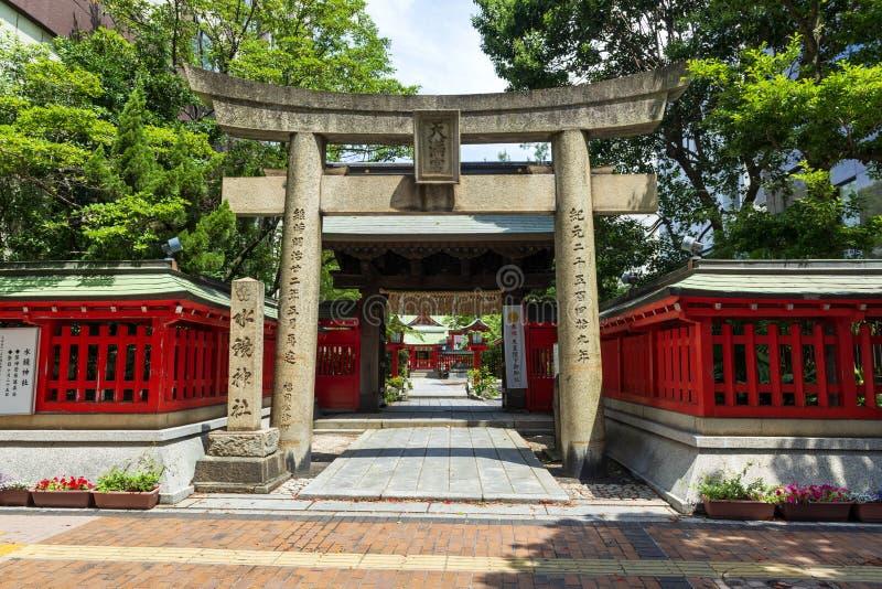 Entrada ao santuário japonês antigo fotografia de stock