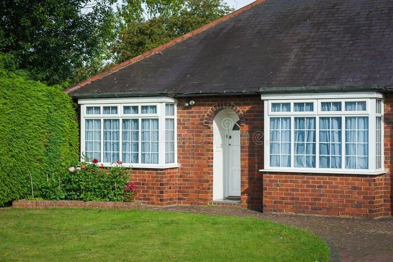 Entrada bricked vermelho da casa fotografia de stock