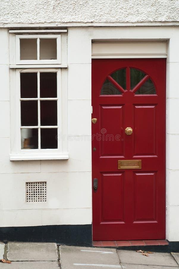Download Entrada britânica clássica foto de stock. Imagem de vermelho - 12812878