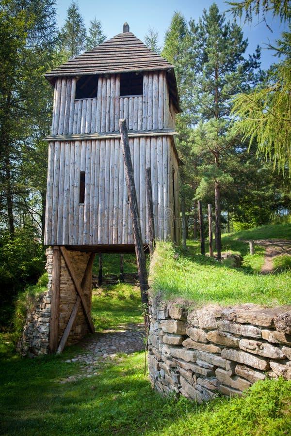 Entrada celta em Havranok - Eslováquia foto de stock