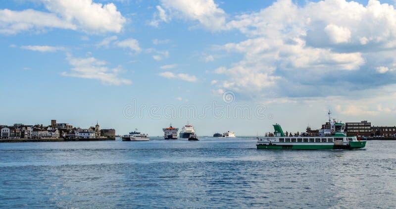 A entrada da baía de Portsmouth imagens de stock