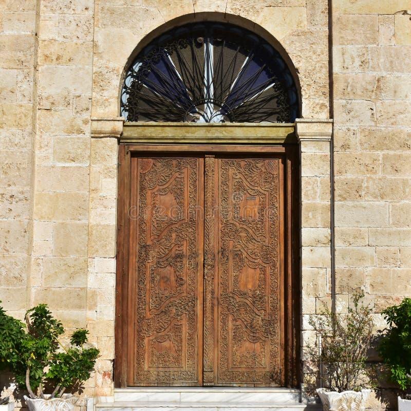 A entrada da catedral de Chania dedicou a Panagia Trimartyri fotografia de stock