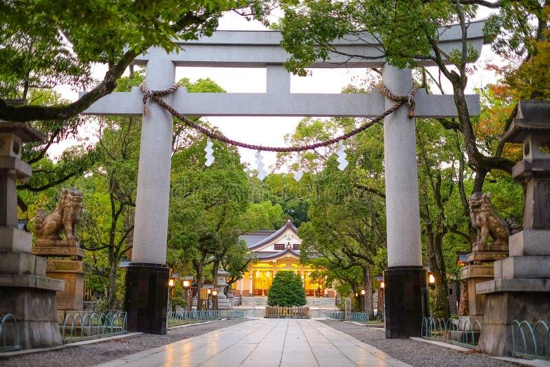 Entrada da coluna no santuário, santuário de Minatogawa fotos de stock royalty free