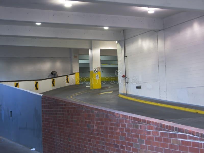 Entrada da garagem de estacionamento fotografia de stock