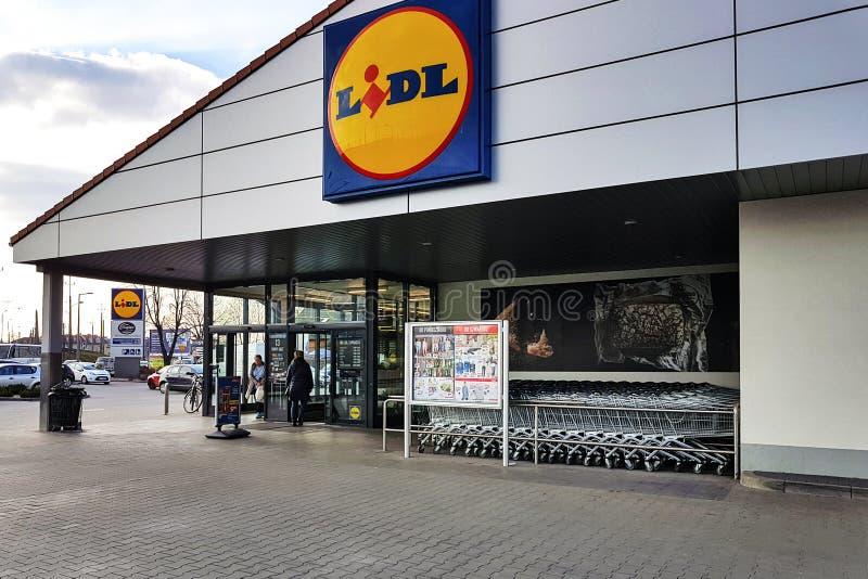Entrada da loja de Lidl imagem de stock