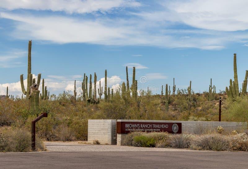Entrada de la cabeza de rastro del rancho de los marrones en Scottsdale AZ foto de archivo