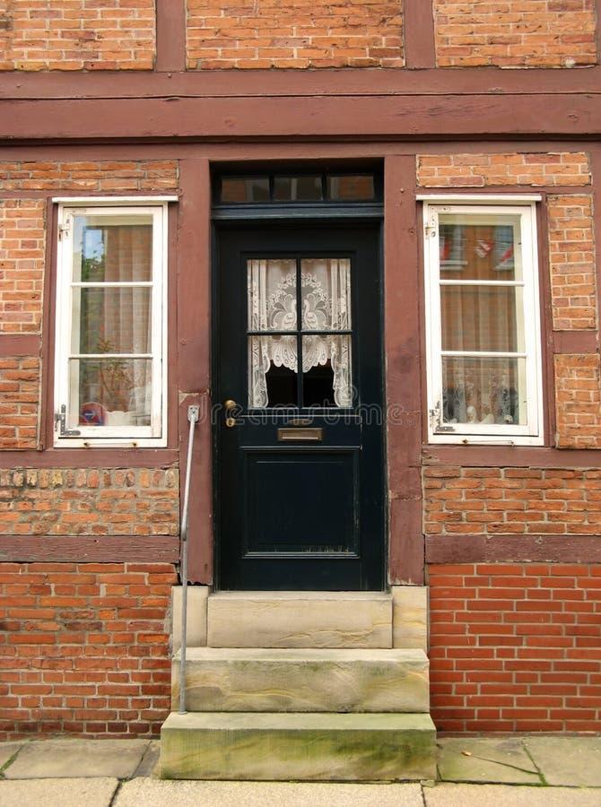 Entrada de la casa de marco fotografía de archivo libre de regalías