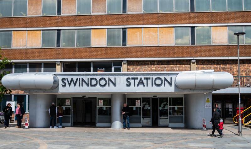 Entrada de la estación de Swindon imagen de archivo
