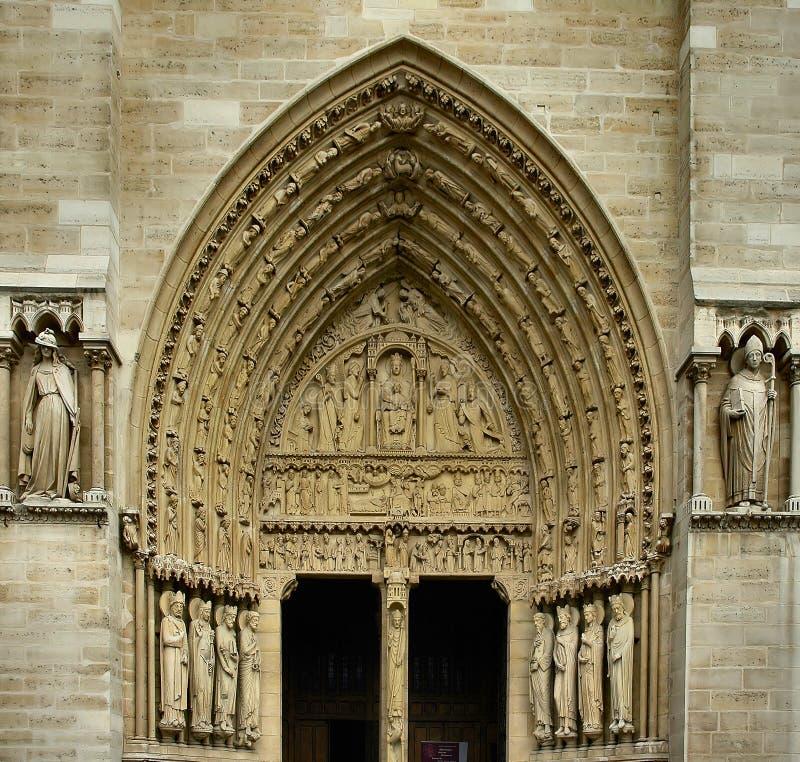 Download Entrada de la iglesia foto de archivo. Imagen de monumento - 179424
