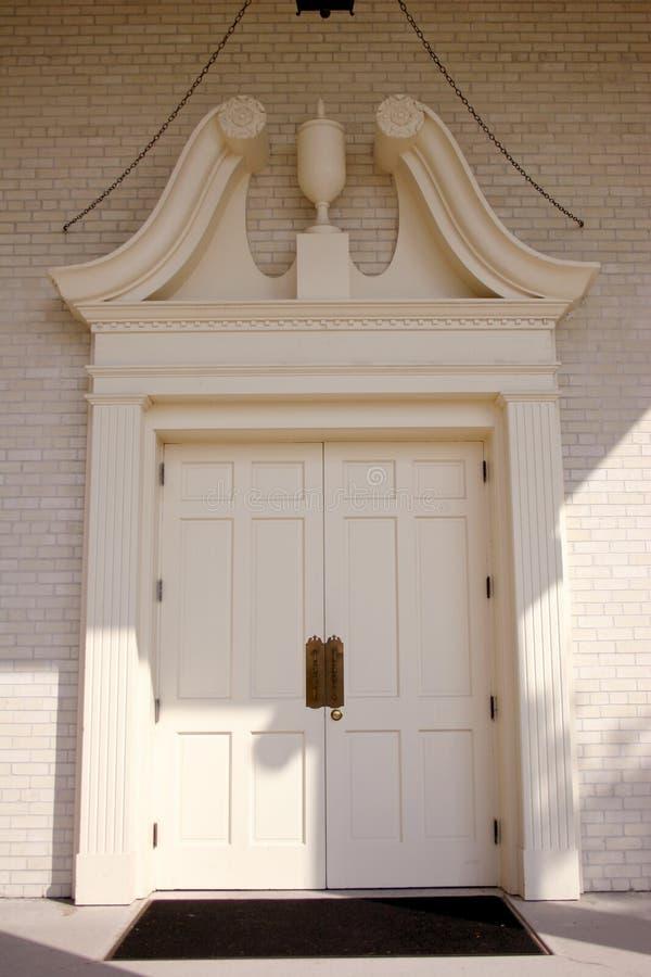Entrada de la iglesia fotos de archivo libres de regalías