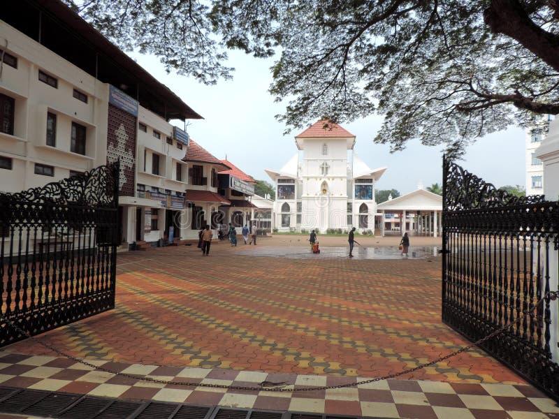 Entrada de la iglesia en Kerala, la India foto de archivo libre de regalías