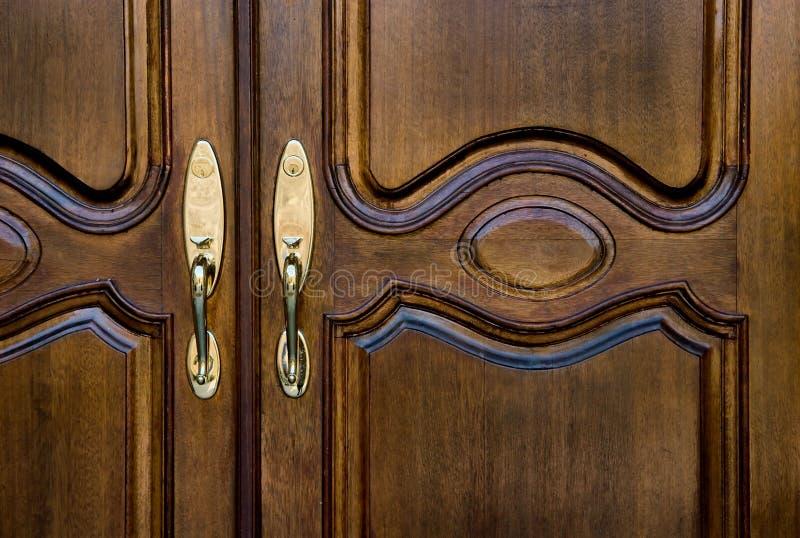 Entrada de la puerta principal al hogar foto de archivo