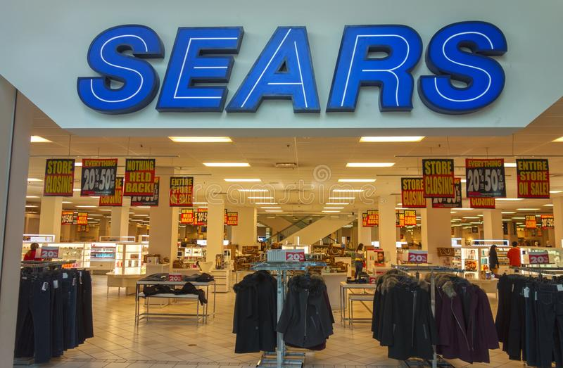 Entrada de la tienda de Sears en Calgary Alberta Shopping Mall fotografía de archivo libre de regalías