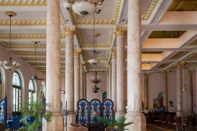 Entrada de Raquel Hotel em Havana velho imagens de stock