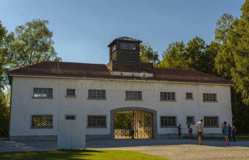 Entrada del campo de concentración de Dachau fotos de archivo