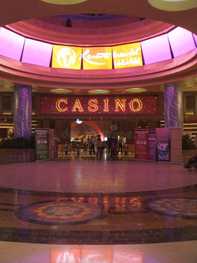 Entrada del casino en el mundo Sentosa del centro turístico imagen de archivo libre de regalías