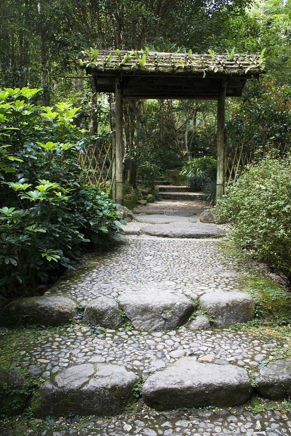 Entrada del jardín imagenes de archivo