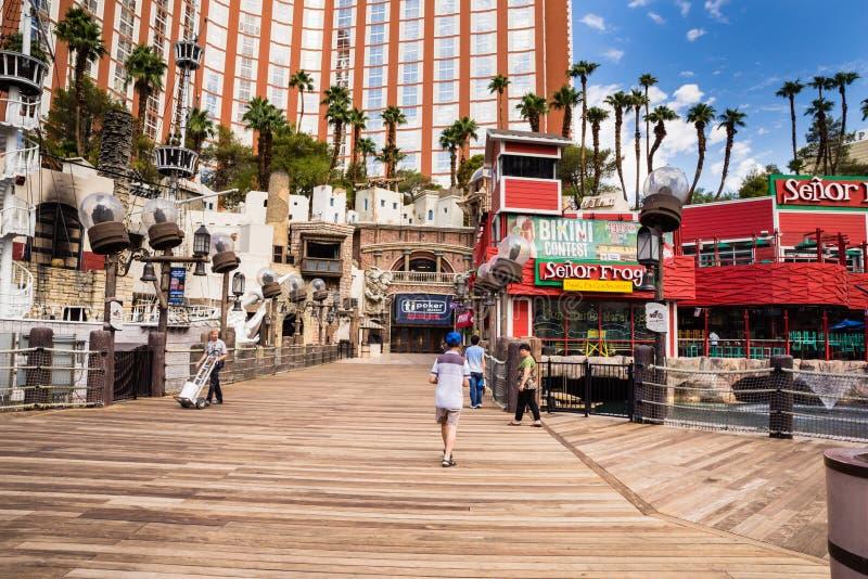 Entrada del paseo marítimo del hotel y del casino de la isla del tesoro fotografía de archivo