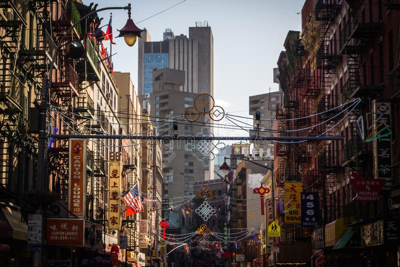 A entrada do bairro chinês em New York imagens de stock