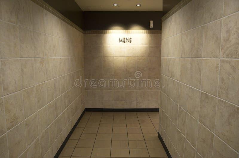 Entrada do banheiro dos homens imagem de stock royalty free