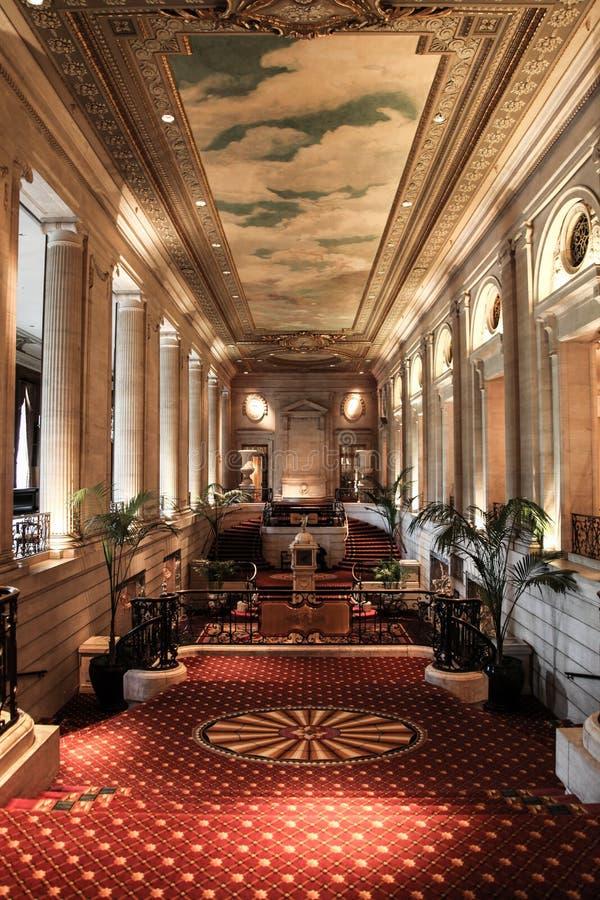 Entrada do Conrad Hilton Hotel - Chicago foto de stock royalty free