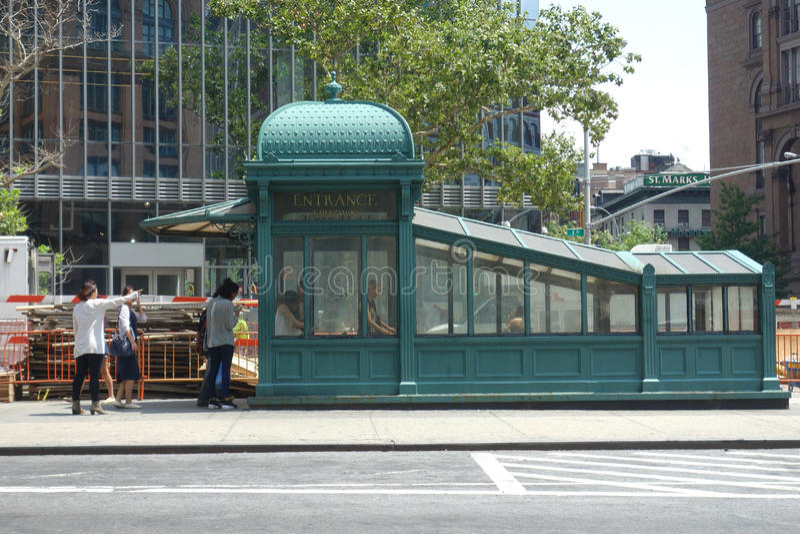 Entrada do metro de New York imagens de stock royalty free