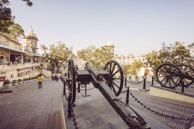 Entrada do palácio da cidade de Udaipur fotos de stock