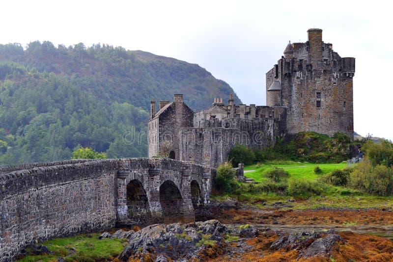 Entrada a Eilean Donan Castle, Escócia fotos de stock royalty free