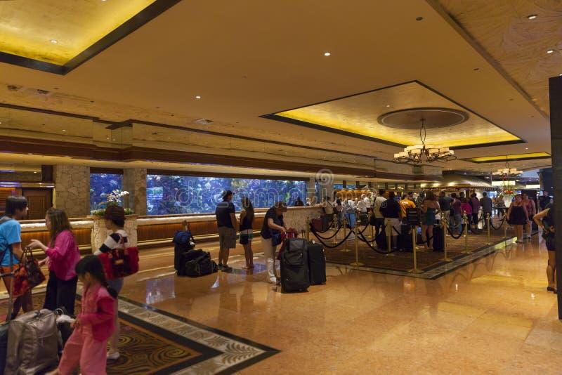 Entrada em Las Vegas, nanovolt do hotel da miragem o 26 de junho de 2013 imagens de stock