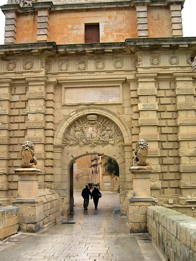 Entrada en Mdina en Malta imágenes de archivo libres de regalías